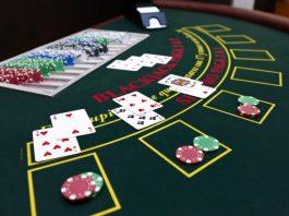 Blackjack_table