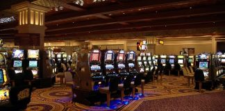 Man Wins $875K in Detroit Casino on Slot Machine