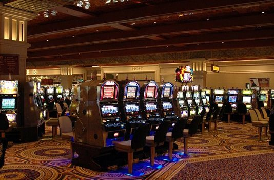 Man Wins $875K in Detroit Casino on Slot Machine