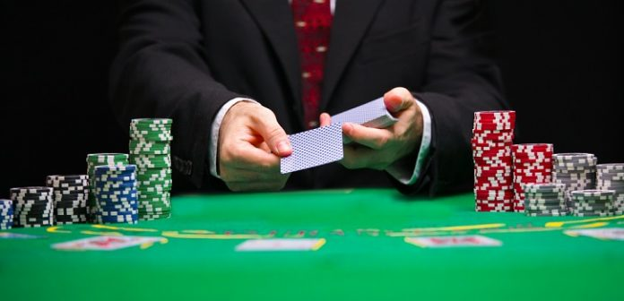 poker-player-loses-pot-of-13000-after-showing-card-to-opponent