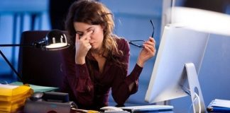 How to Ease Eye Fatigue When Working On a Computer