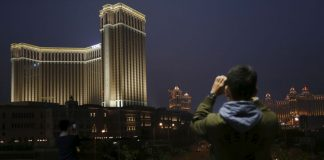 gaming casino in Macau revenue drops